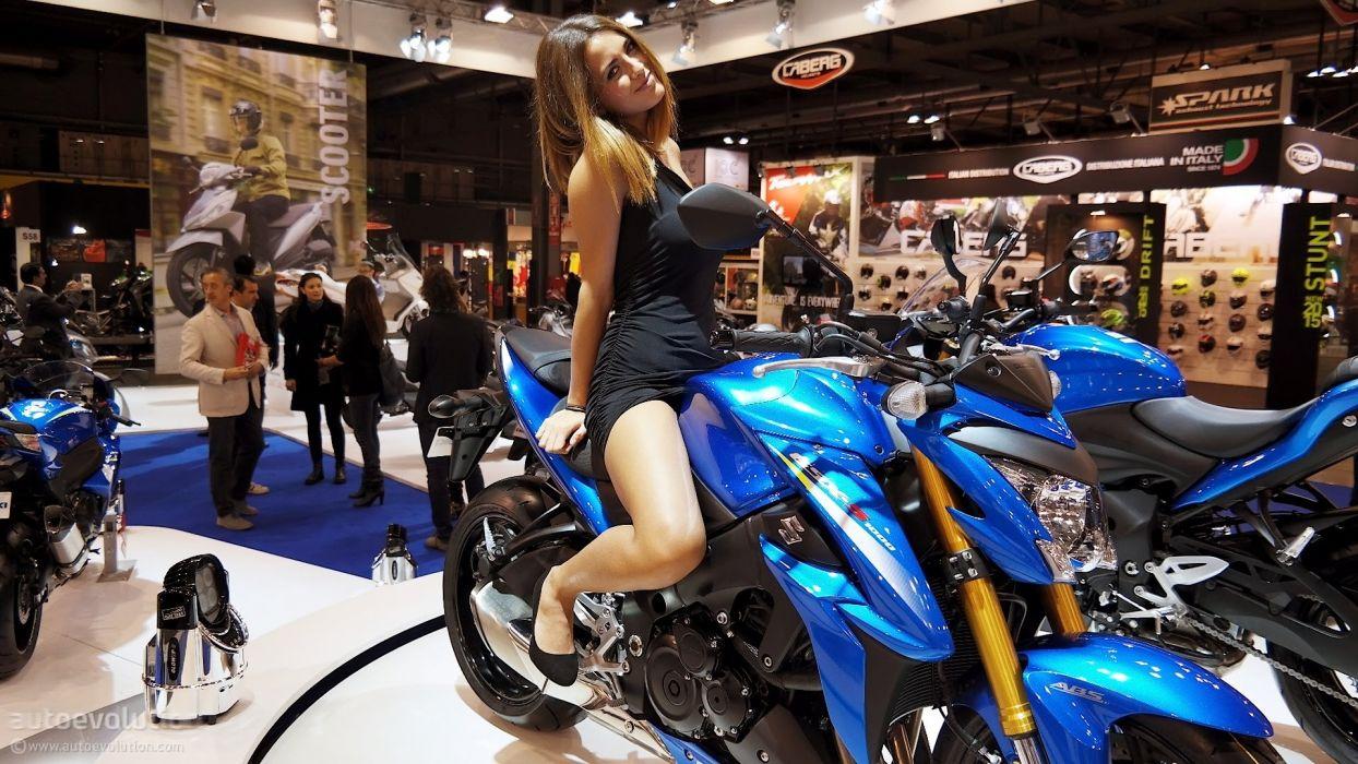 Women & Machines girls-women-sexy-sensual-model-motorcycle-suzuki gsx-bike-show-photos wallpaper