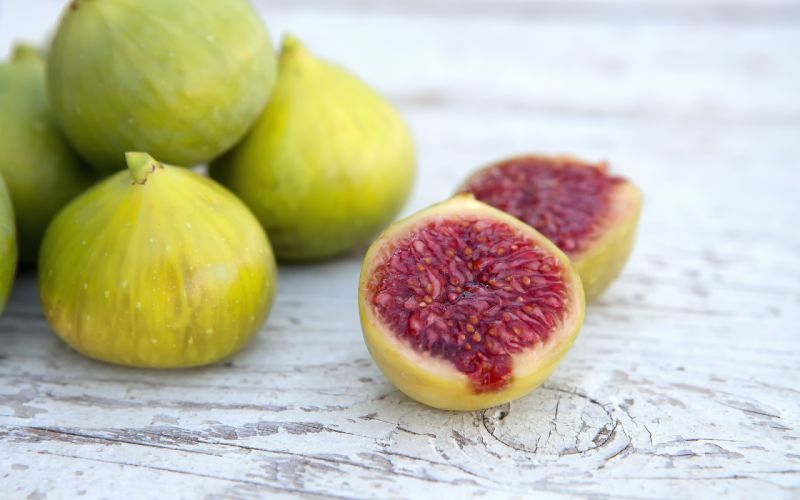 macro ripe sweet food figs wallpaper