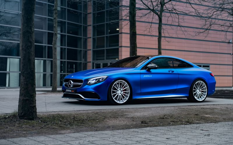 Mercedes AMG S63 4matic dripping blue chrome wallpaper