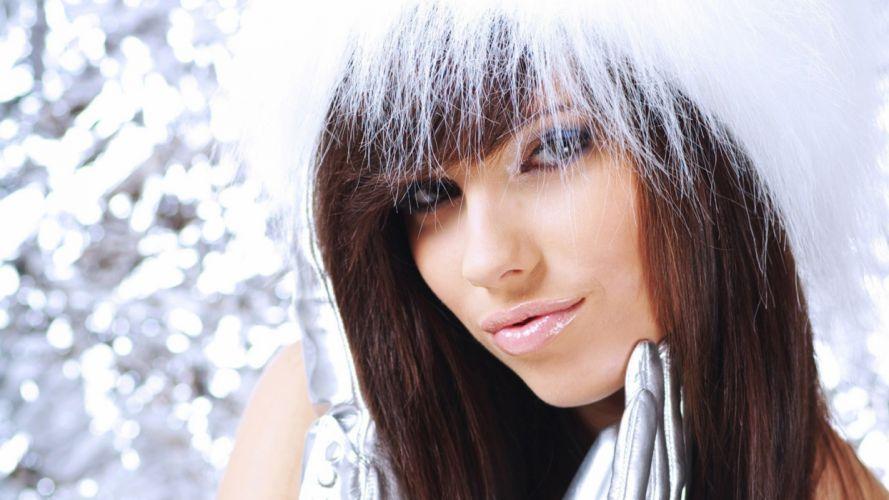 Face woman-girl-sexy-hat-fur-gloves-look-makeup wallpaper
