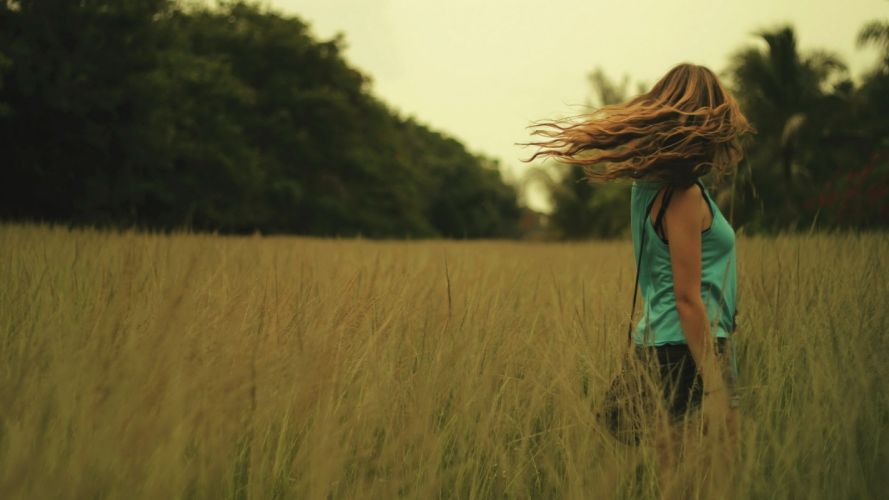 Photography woman-girl-sexy-blond-box-wind-hair-nature wallpaper