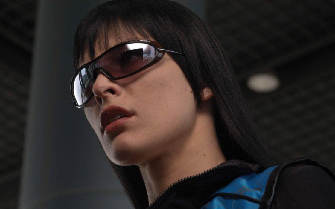 Face woman-girl-sexy-sensual-Milla Jovovich-actress-glass wallpaper