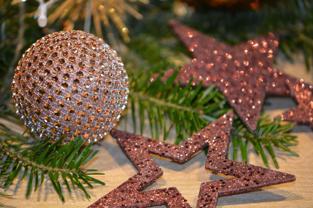 balls blur brown celebration christmas balls christmas decoration christmas tree close-up conifer decorate evergreen festival fir focus glisten glitter hanging holly ornament season shining spruce stars tree wallpaper