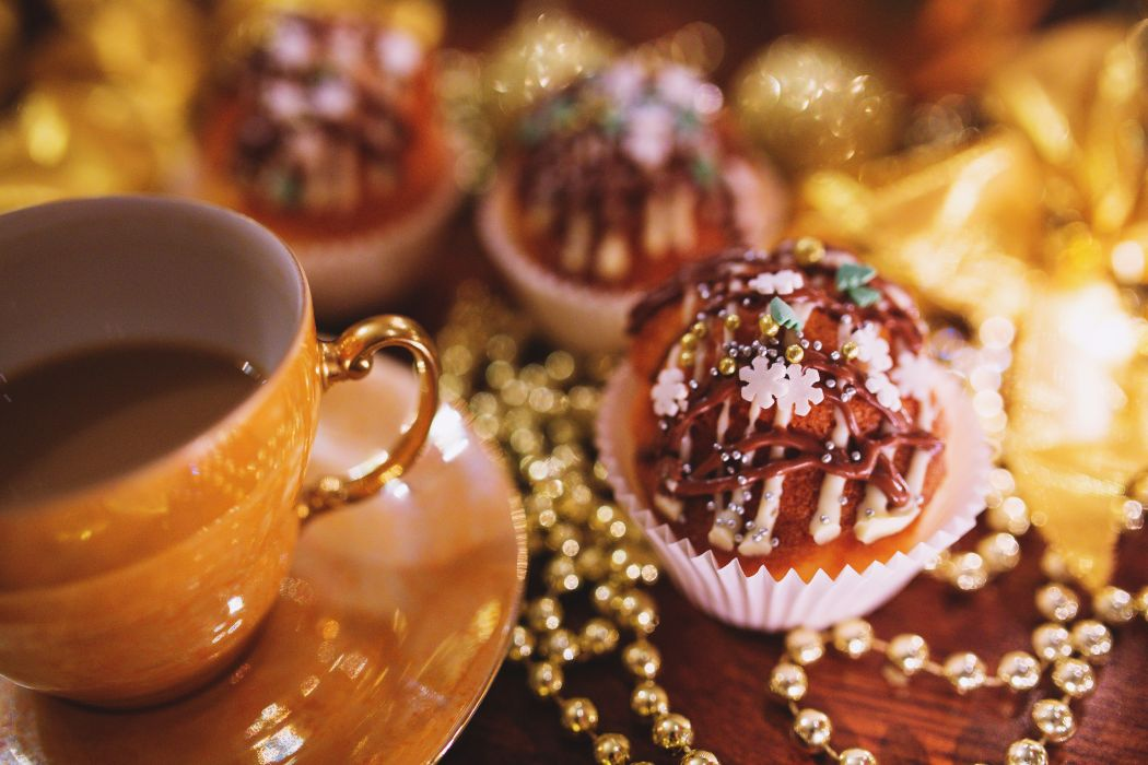 christmas coffee cookie cupcake holiday holidays muffin pearls vintage xmas wallpaper