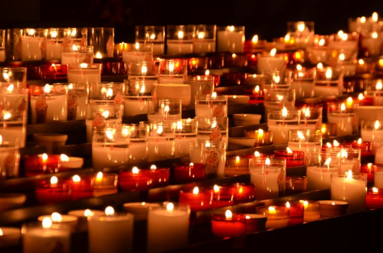 candlelight candles chruch grief mourning night religion remembrance romantic wallpaper