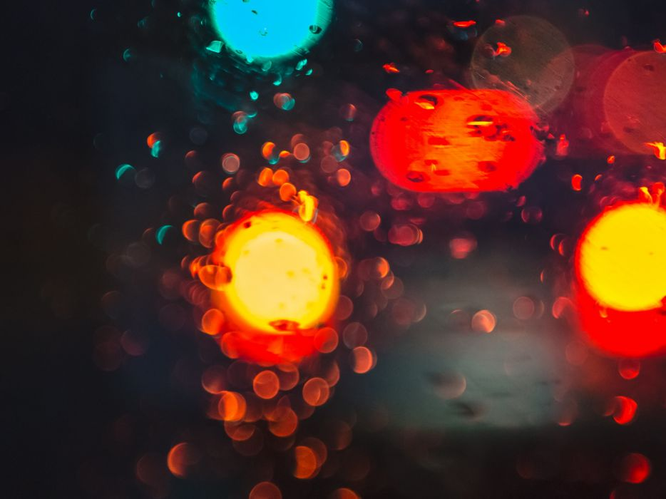 blur bokeh car lights rain street window wallpaper
