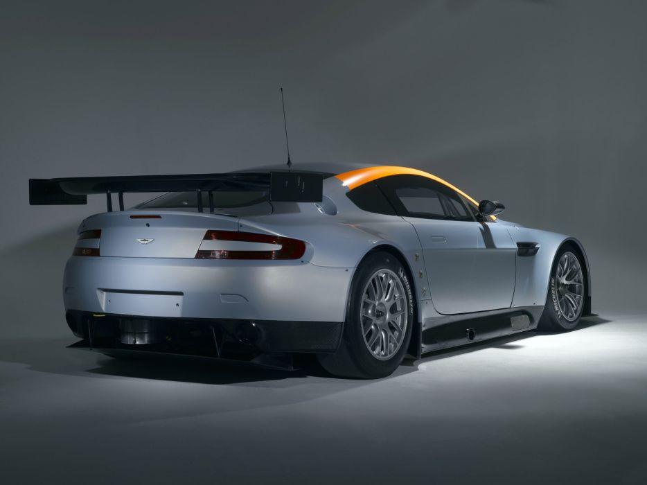 Aston Martin V8 Vantage GT Race Car wallpaper
