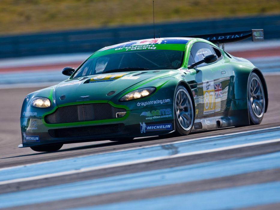 Aston Martin V8 Vantage GT2 Race Car wallpaper