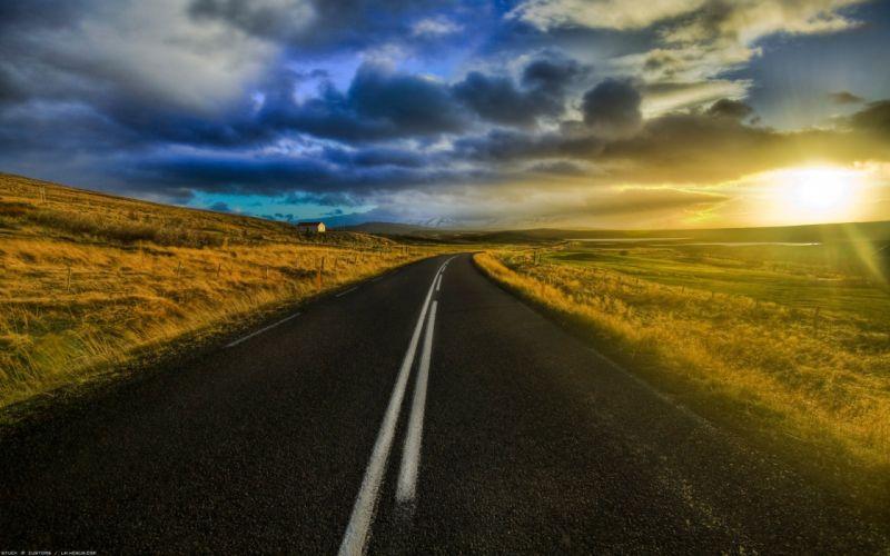 Carretera amanecer nubes wallpaper