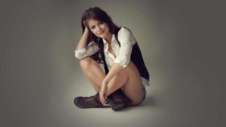 Sensuality woman-girl-sexy-sensual-denim-shorts-jeans-Melissa Benoist-actress-singer wallpaper