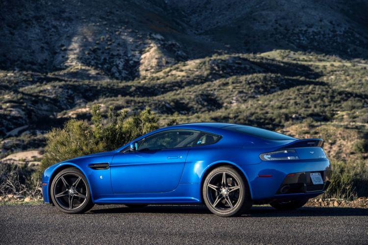 Aston Martin V8 Vantage GTS wallpaper