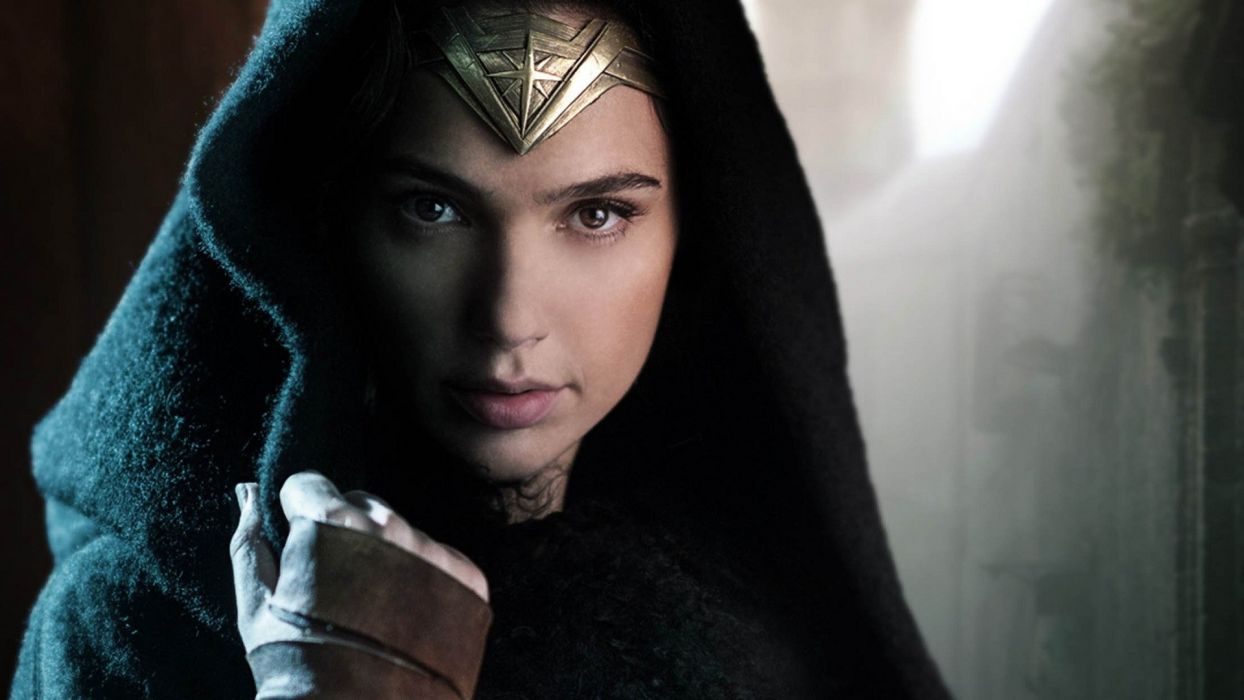 Movie Wonder Woman-2017-girl-Gal Gadot-warrior-face-hood wallpaper
