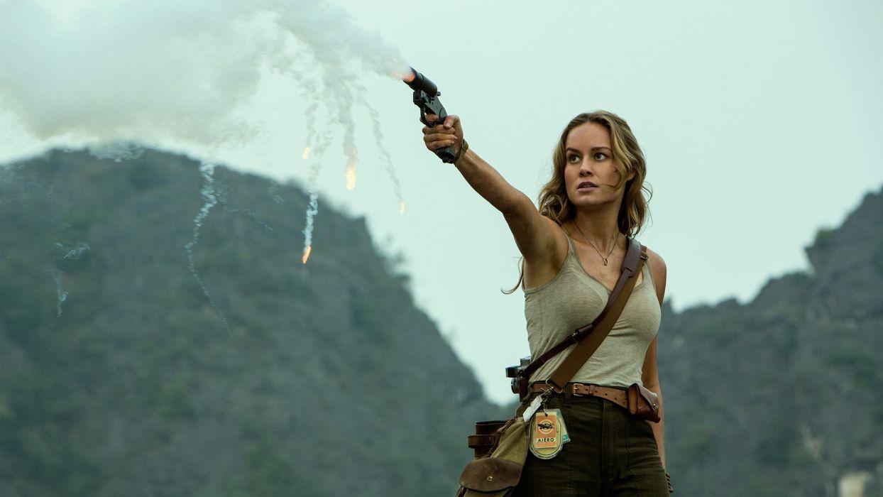 Sensuality sensual-sexy-woman-girl-Brie Larson-kong-skull-island-gun wallpaper
