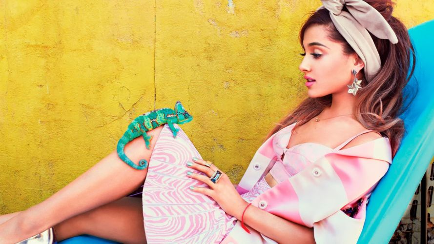 Sensuality sensual-sexy-woman-girl-Ariana Grande-singer-actress-iguana wallpaper