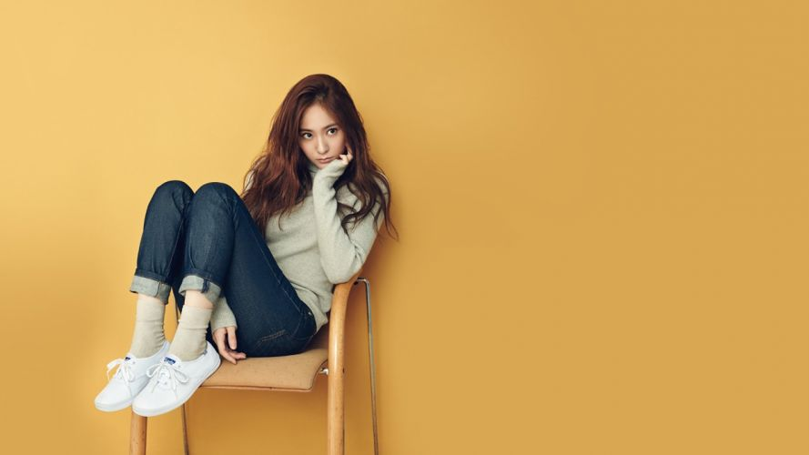 Sensuality sensual-sexy-woman-girl-Krystal Kpop-idol-pants-jeans-denim-sitting-chair wallpaper