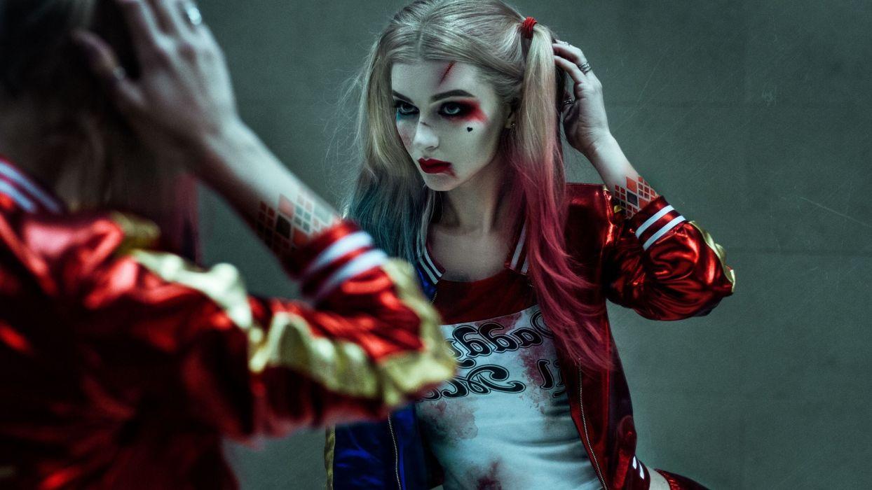 Sensuality-sensual-sexy-woman-girl-comics-Harley Quinn-Suicide Squad-mirror wallpaper
