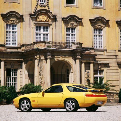 Porsche 928 GTS wallpaper