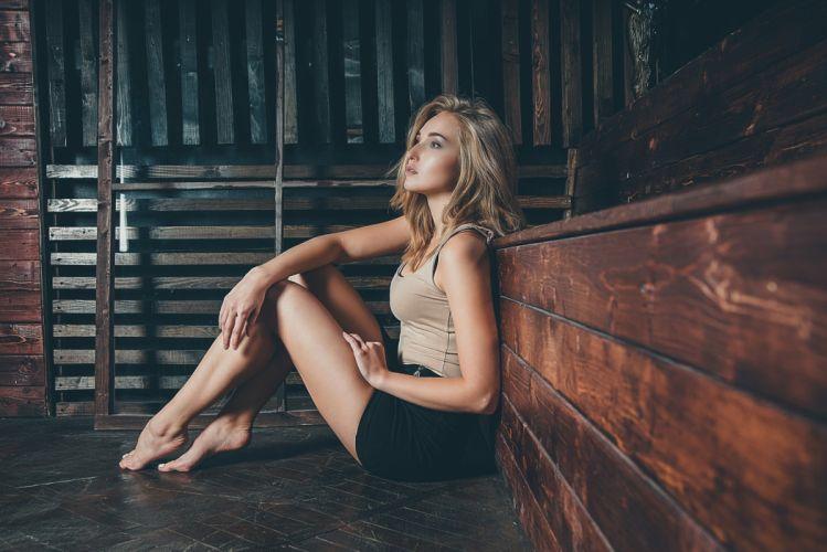 Sensuality-sensual-sexy-woman-girl-shorts-Daria Klepikova-model-blonde-legs-barefoot-sittings wallpaper