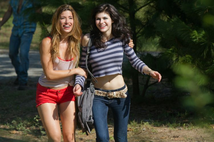 Sensuality-sensual-sexy-woman-girl-shorts-jeans-denim-torn-celebrity-Alexandra Daddario-belly-tummy wallpaper