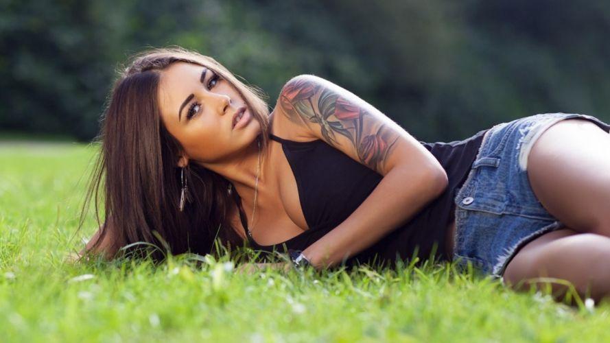 Sensuality-sensual-sexy-woman-girl-shorts-jeans-denim-torn-model-Diana Melison-tattoo-grass wallpaper