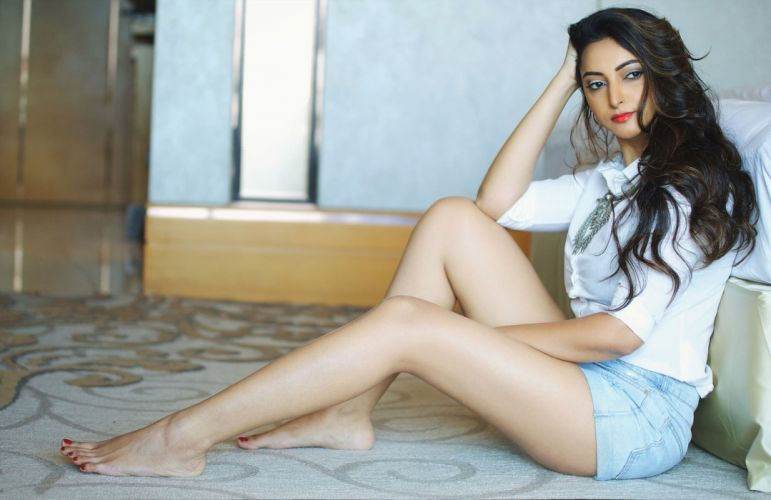 Meghana-Gaonkar bollywood actress celebrity model girl beautiful brunette pretty cute beauty sexy hot pose face eyes hair lips smile figure indian wallpaper