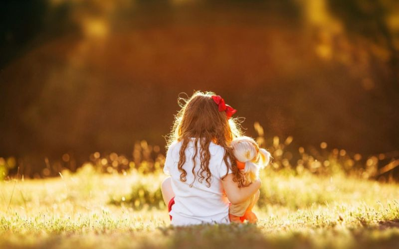 Photography-child-girl-sad-miss you-baby-teddy-bear-sitting-grass wallpaper