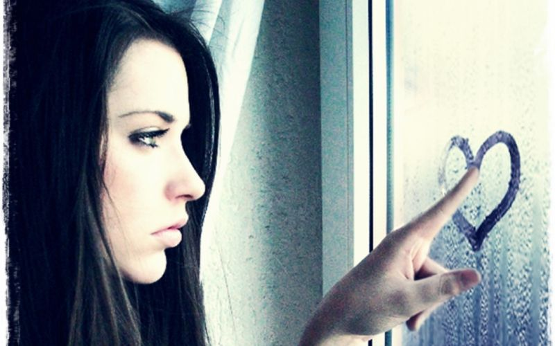Photography-sensuality-sensual-sexy-woman-girl-face-sad-love-miss you-glass-heart wallpaper