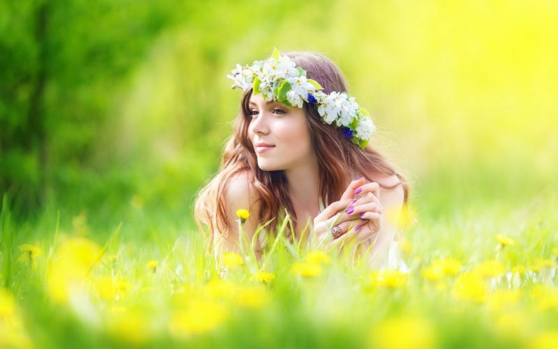 Photography-sensuality-sensual-sexy-woman-girl-young-flowers-wreath-pretty wallpaper