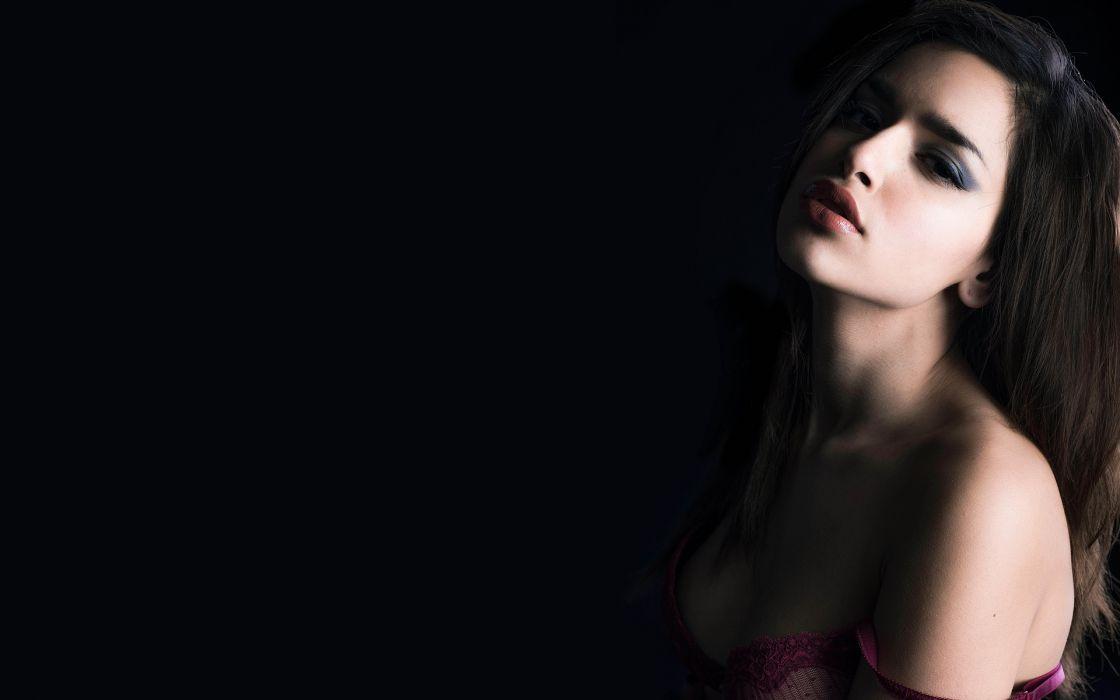 Sensuality-sensual-sexy-woman-girl-gorgeous-face-lips-lipstick wallpaper