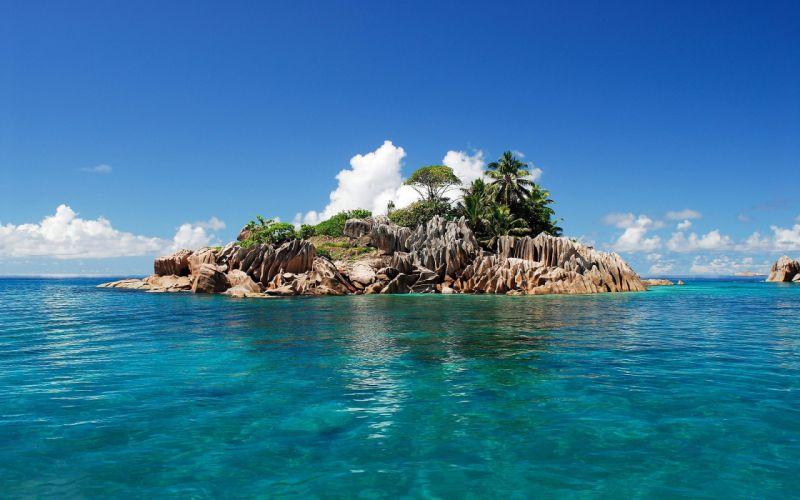 Beautiful-Tropical-Island wallpaper