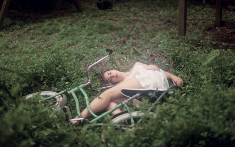 Photography-bicycle-sensuality-sensual-sexy-woman-girl-model-plants-grass-lying-sleep wallpaper