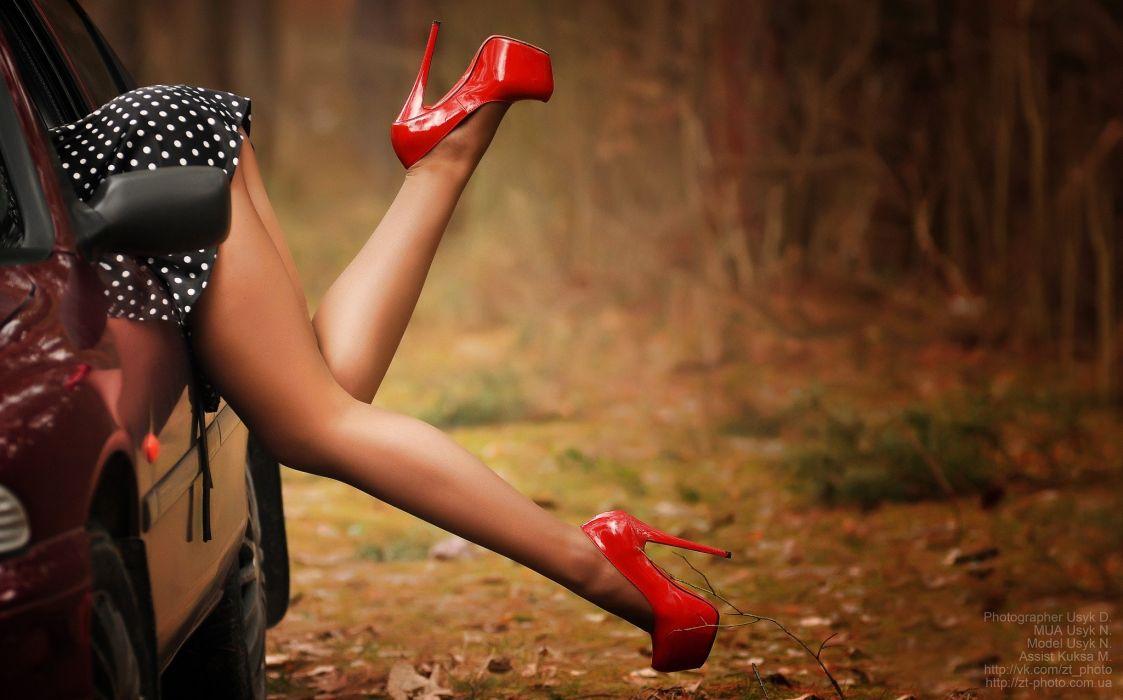 Sensuality-sensual-sexy-woman-girl-legs-high heels-skirt-polka dots-car wallpaper