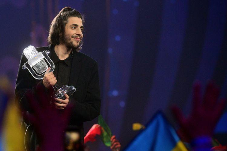 salvador sobral cantante portugues ganador eurovision 2017 wallpaper