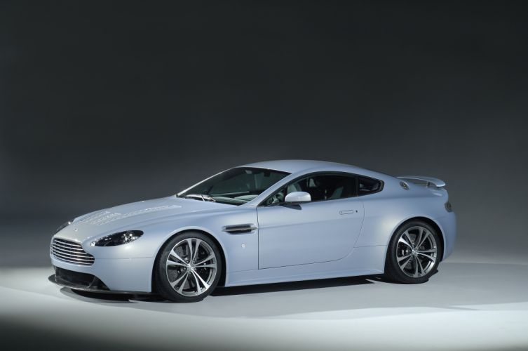 Aston Martin V12 Vantage RS Concept wallpaper