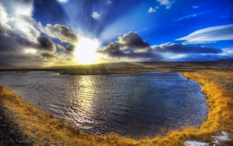 first-sunshine-at-dawn wallpaper