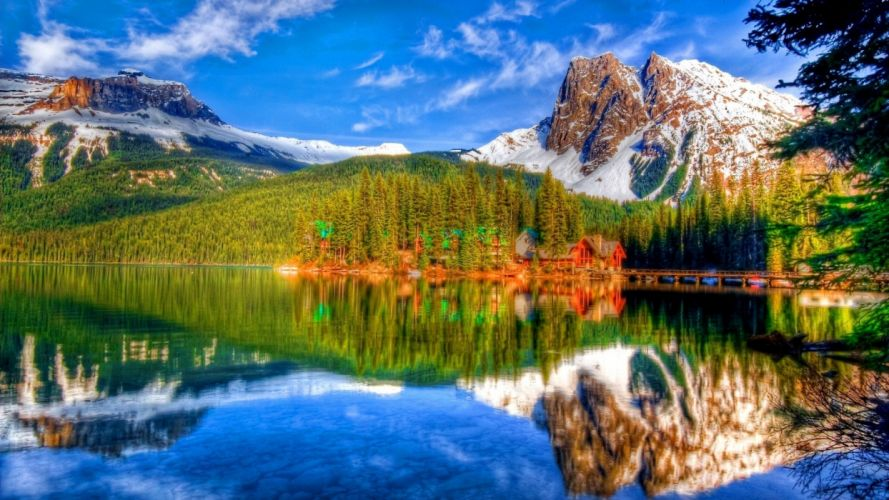 lonely-cabin-on-beautiful-lake- wallpaper