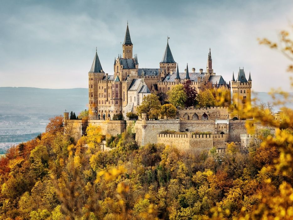 Hohenzollern Castle in autumn German wallpaper