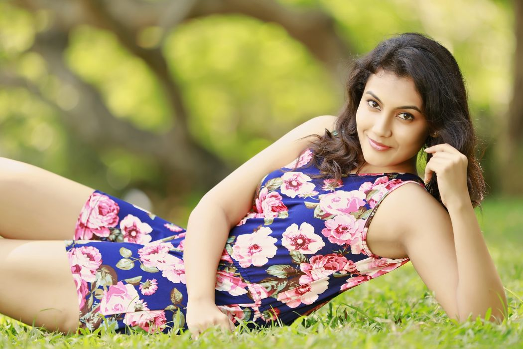 Chandhana bollywood actress celebrity model girl beautiful brunette pretty cute beauty sexy hot pose face eyes hair lips smile figure makeup indian wallpaper