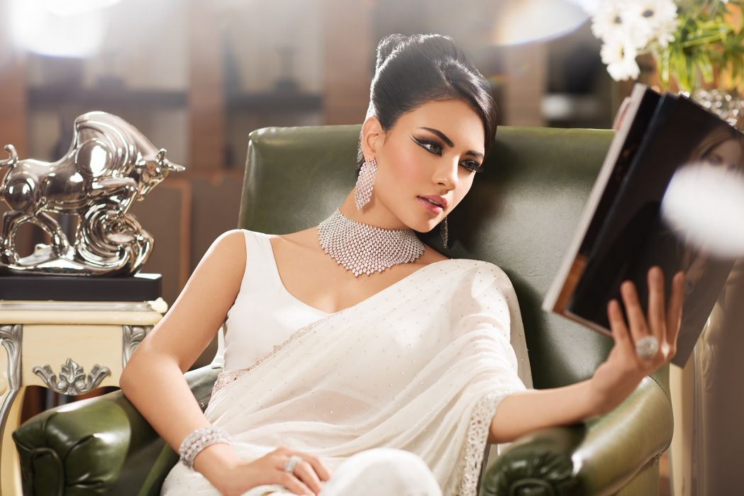 bollywood actress celebrity model girl beautiful brunette pretty cute beauty sexy hot pose face eyes hair lips smile figure indian traditional Jewellery makeup fashion wallpaper