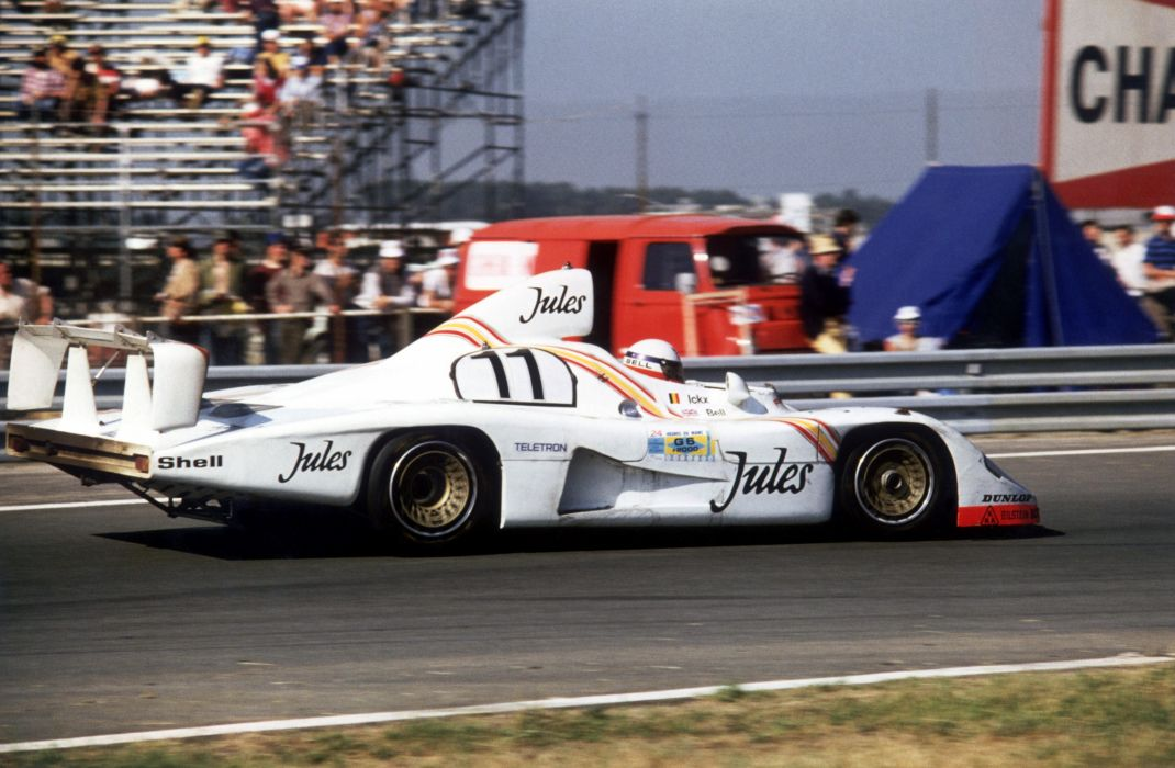Porsche 936-81 Spyder Classic Race Car wallpaper