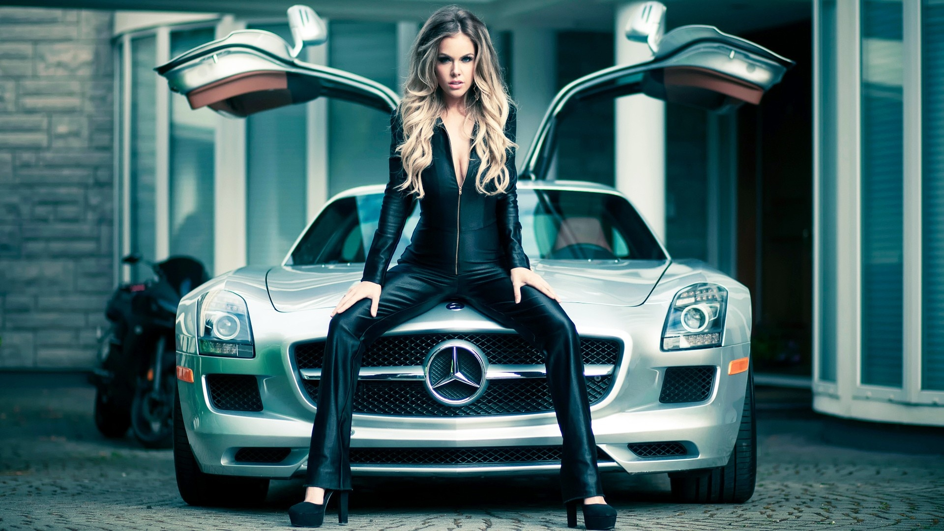 Sport Car And Girl Wallpaper: Sensuality Sensual Sexy Woman Girl Model Machine Car