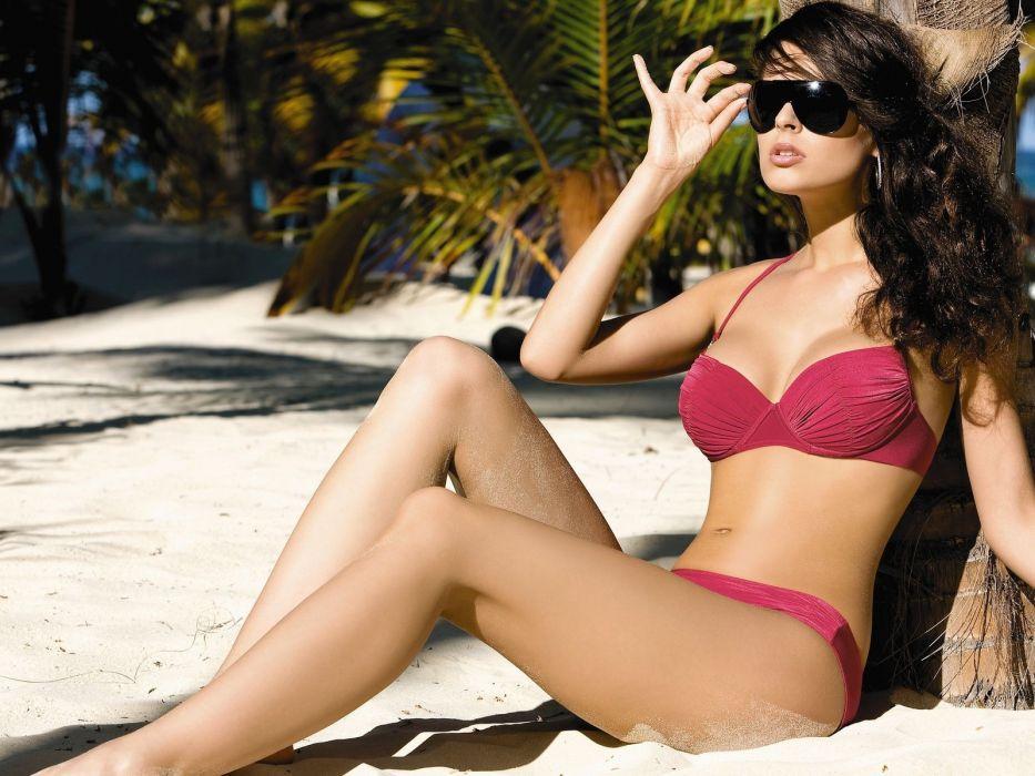 beachtropicspalm treesmodelbrunetteswimsuitbikinitansunglasses wallpaper