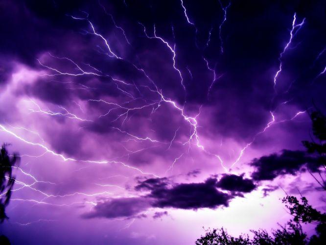 Mauve Sky with Lightning wallpaper