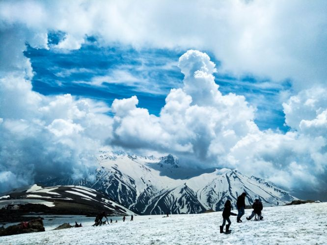 climb clouds cold daylight frost frosty frozen ice landscape mountains nature outdoors people scenic snow travel wallpaper