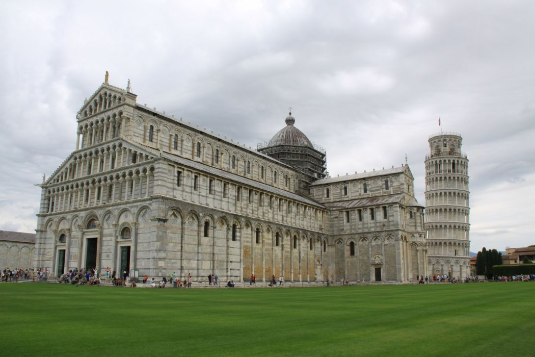 Cathedral Pisa Italy wallpaper
