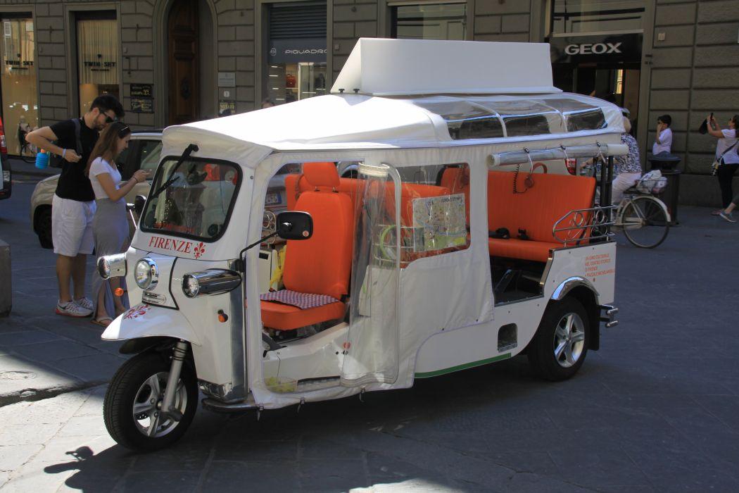 Tuktuk Firenze Italy wallpaper