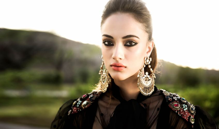 akanksha thakur bollywood actress celebrity model girl beautiful brunette pretty cute beauty sexy hot pose face eyes hair lips smile figure makeup indian wallpaper