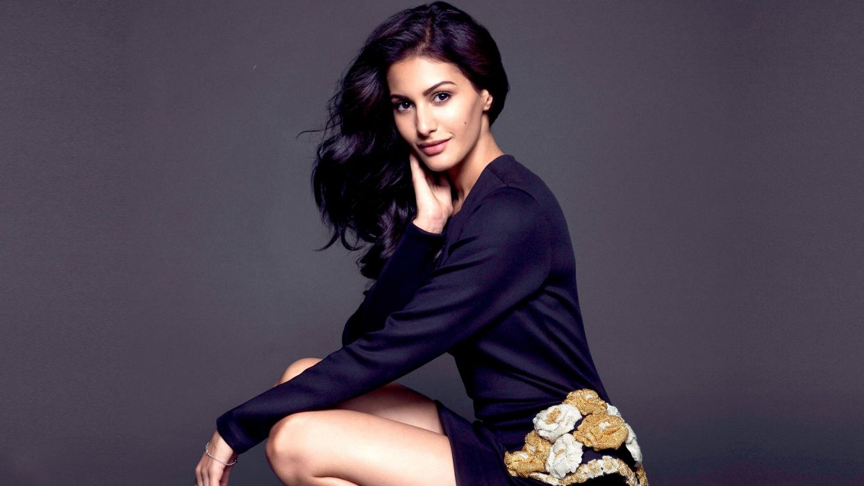 Amyra-Dastur bollywood actress celebrity model girl beautiful brunette pretty cute beauty sexy hot pose face eyes hair lips smile figure makeup indian wallpaper