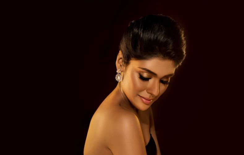 bollywood actress celebrity model girl beautiful brunette pretty cute beauty sexy hot pose face eyes hair lips smile figure makeup indian wallpaper