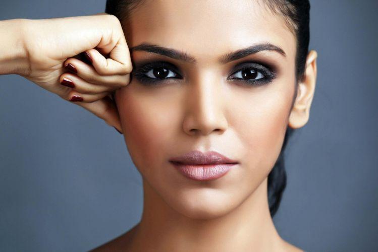 Shriya Pilgaonkar bollywood actress celebrity model girl beautiful brunette pretty cute beauty sexy hot pose face eyes hair lips smile figure makeup indian wallpaper